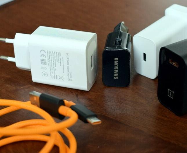 کدام شارژر گوشیتان را سریعتر شارژ میکند؟
