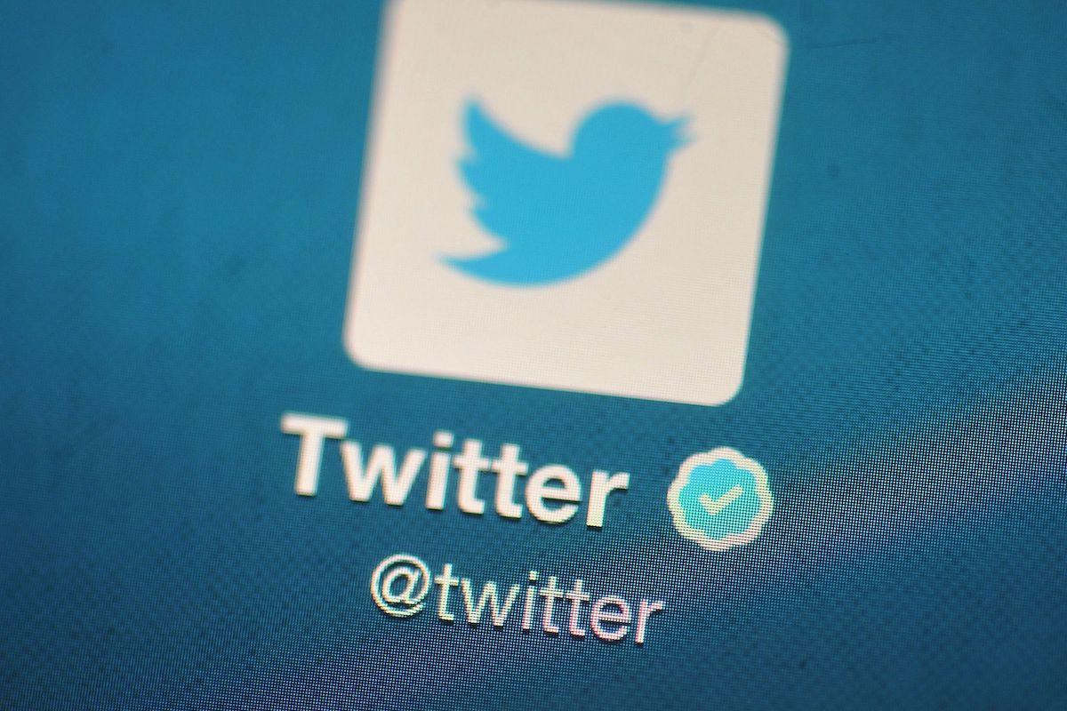 توییتر دوباره امکان ثبت درخواست برای دریافت تیک آبی را فعال کرد