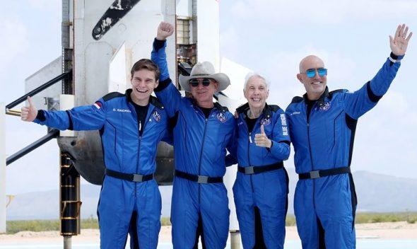 آیا جف بزوس به فضانورد تبدیل شده است؟